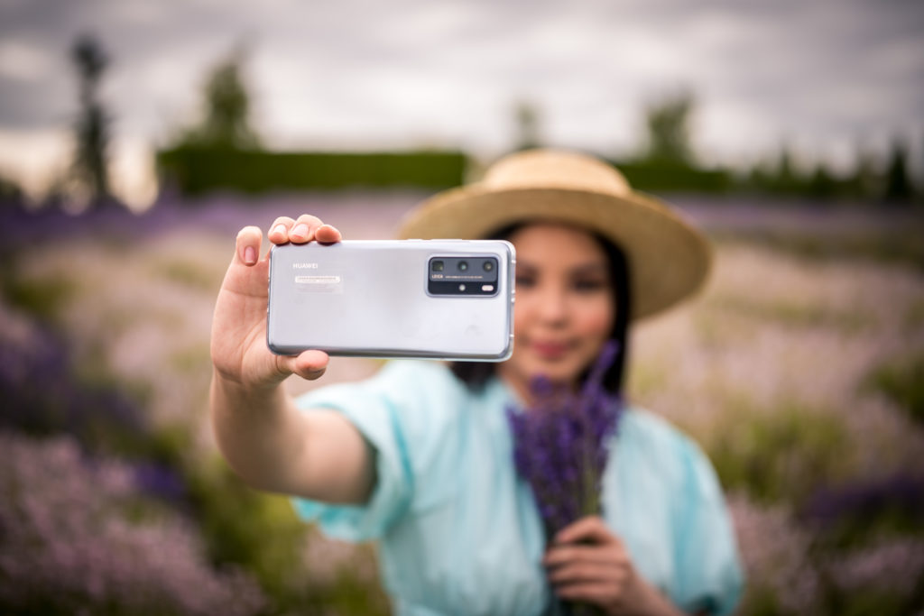 Glamouraspirit with Huawei P40 Pro Smartphone at Full Bloom Lavender Farm in Langley