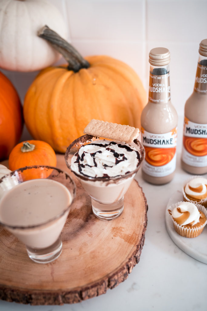 Pumpkin Spice and Everything Nice Cocktail with Vodka Mudshake Pumpkin Spice latte for fall
