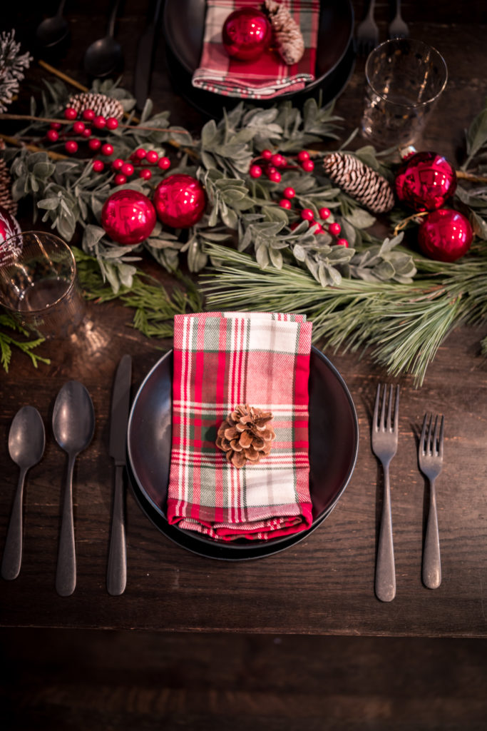Glamouraspirit Christmas holiday table decor and setting plaid and black and pine